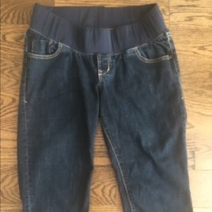 Old Navy Maternity cropped jeans
